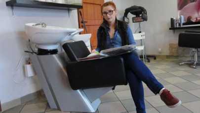 Fryzjer z usługą u klienta - czy to się opłaca
