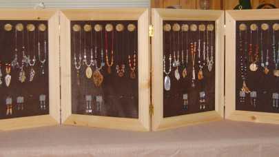 Unikatowe i fantazyjne błyskotki - internetowy sklep ze sztuczną biżuterią