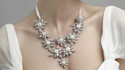 Internetowy sklep ze sztuczną biżuterią - dobry pomysł na biznes