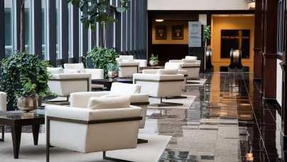 Wybór hotelu biznesowego w okolicach Warszawy