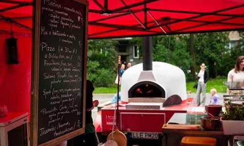Mobilny piec opalany drewnem ?  pomysł na dochodową pizzerię bez ograniczeń lokalizacyjnych