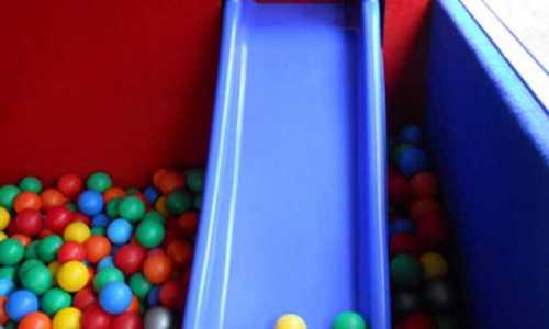 Bajkowy wehikuł - autobus na dziecięce zabawy