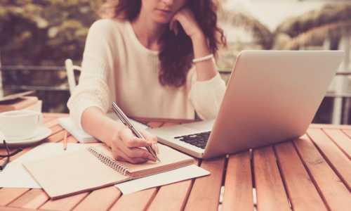 Studia podyplomowe czy kursy i szkolenia – na co się zdecydować