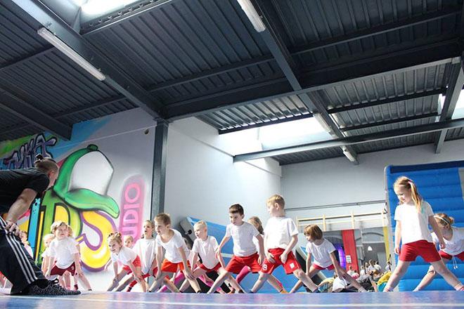 KIDS STUDIO  licencja na sport, zabawę i dobry biznes