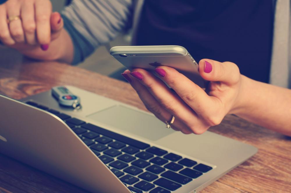 Co to jest telefonia internetowa i dlaczego powinna znaleźć się w każdej nowoczesnej firmie