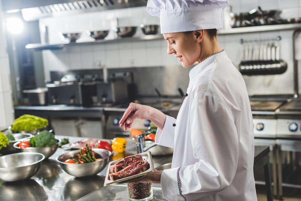 Jakie powinno być wyposażenie kuchni gastronomicznej