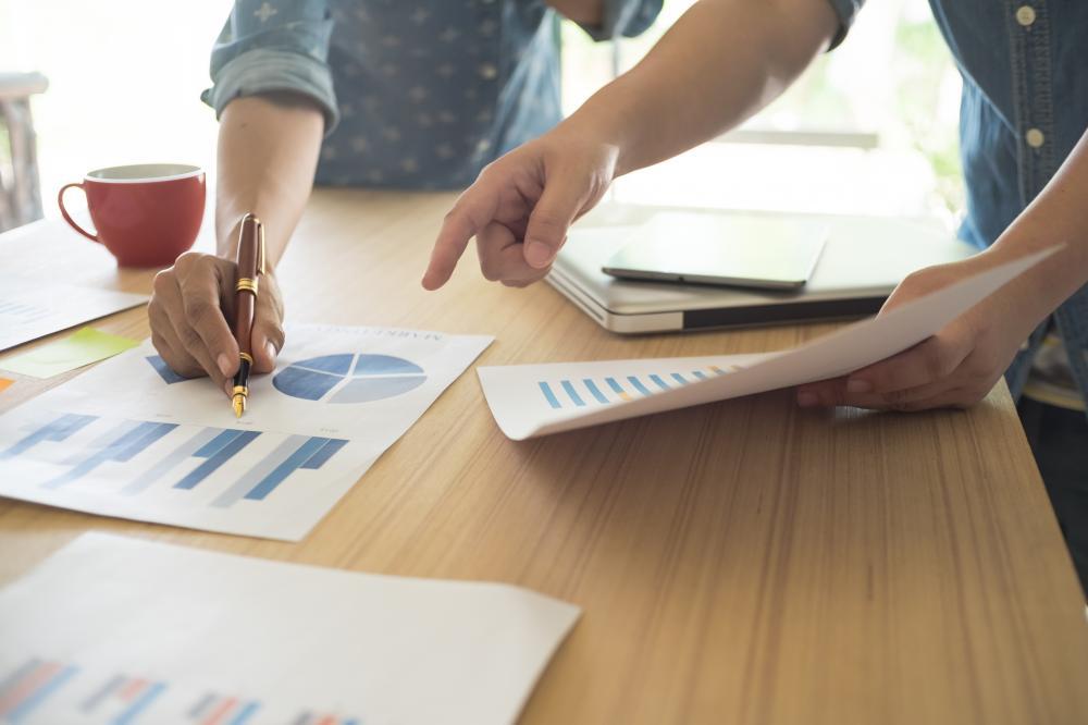 Jak udostępniać poufne dokumenty partnerom biznesowym